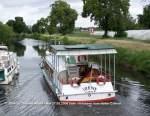 canal-de-colmar/10923/weitere-fotos-lyra-1963---im Weitere Fotos: 'LYRA' (1963) - Im Canal de Colmar. Am Heck noch der Heimathafen Sasbach und der Name 'IRENE'. Seit 2007 ist das Schiff als 'LYRA' in Osnabrück beheimatet.